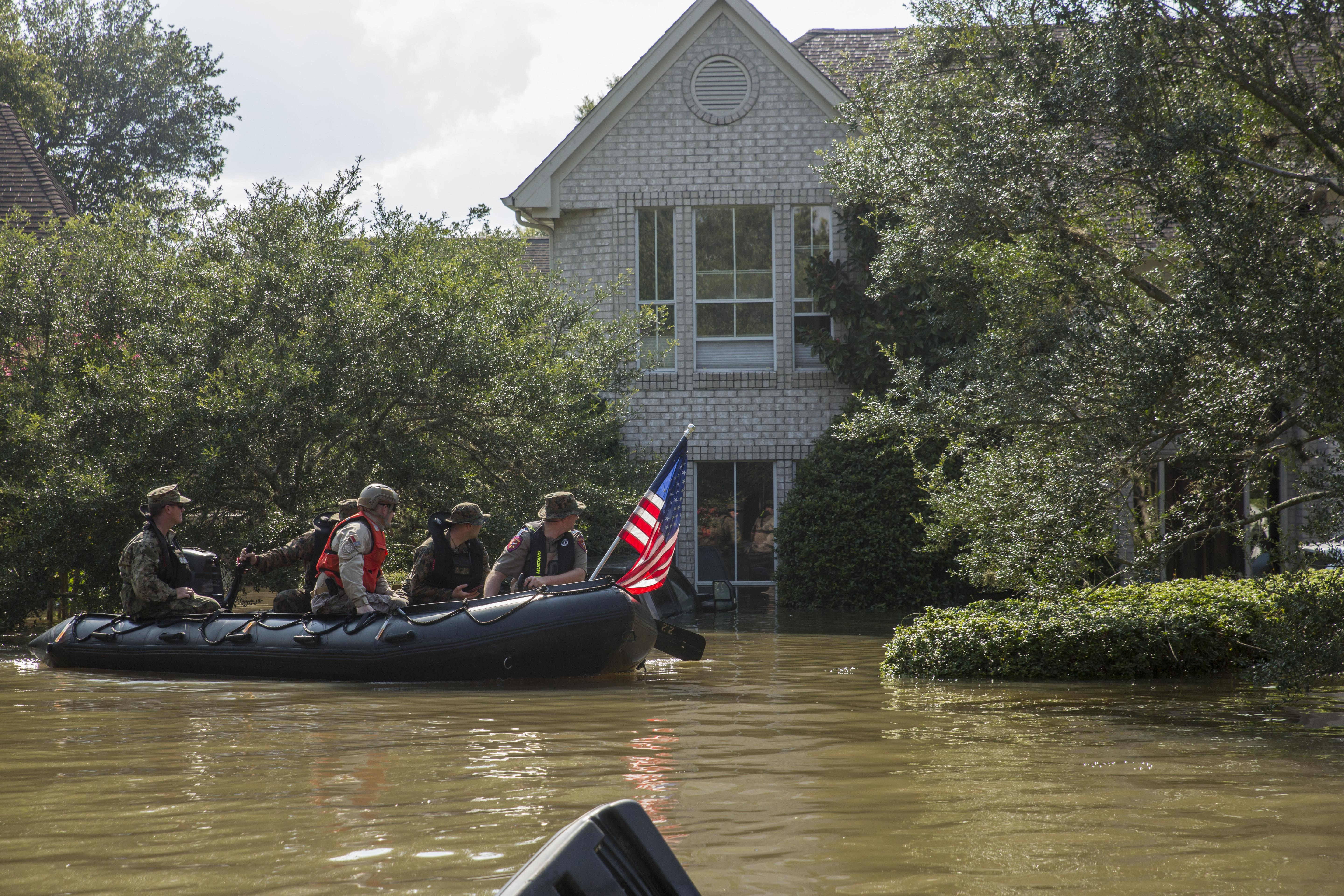 4th Reconnaissance Marines support rescue efforts in wake of Hurricane Harvey